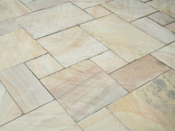 Sandstein-Platten Mint Fossil: Farbenfrohe Naturstein-Platten sorgen für mediterranes Flair auf der Terrasse – jonastone