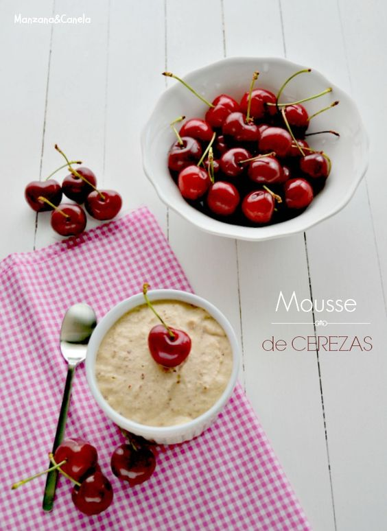 Receta de Mousse de mascarpone y cerezas del Jerte | Manzana&Canela