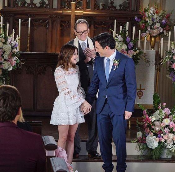 Aria Ezra Wedding Pretty Little Liars Pretty Little Liars Outfits Pretty Little Liars Aria Pretty Litle Liars
