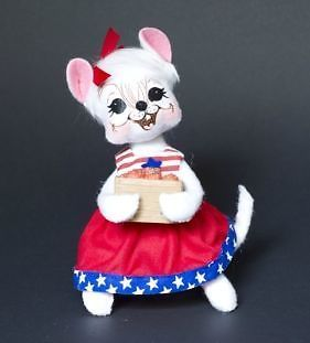 Annalee-Mobilitee-Doll-4th-of-July-Patriotic-Picnic-Girl-Mouse-6