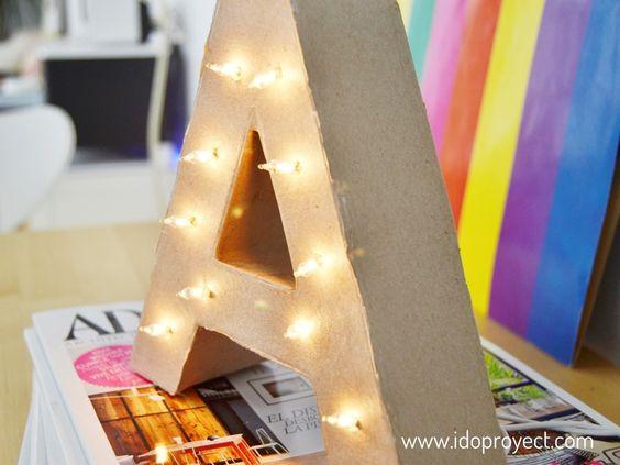 DIY marquee letter, cardboar letter with lights Tutorial para hacer una letra con luces como las de los cines antiguos! http://idoproyect.com/blog/diy-letra-con-luces/