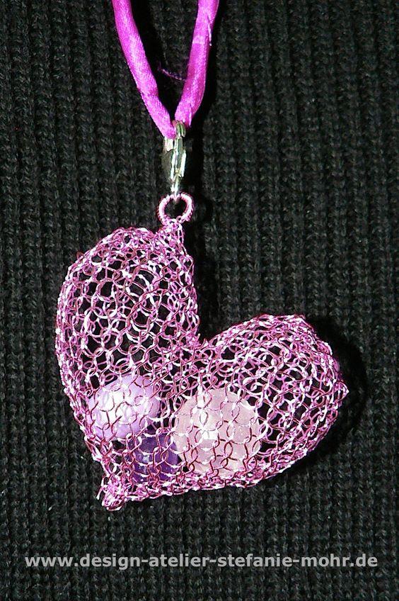 """wire crochet pendant - """"HEART"""" - """"HERZ"""" Ketten-Anhänger gestrickt aus Draht von smdesignatelier auf Etsy https://www.etsy.com/de/listing/273793766/wire-crochet-pendant-heart-herz-ketten"""