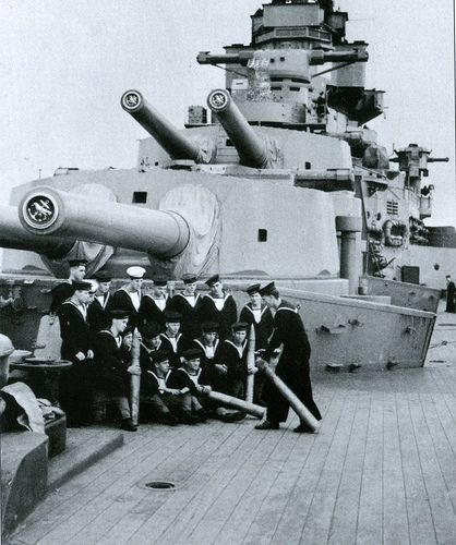 A and B turrets, HMS Hood 1940: