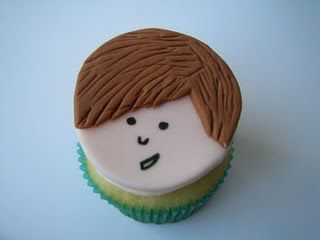 Justin Bieber cupcake by D'vyne Confections