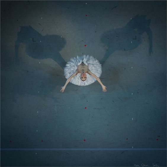 Balletomane - passionatedancing:   lasylphidedubolchoi:   Photo...