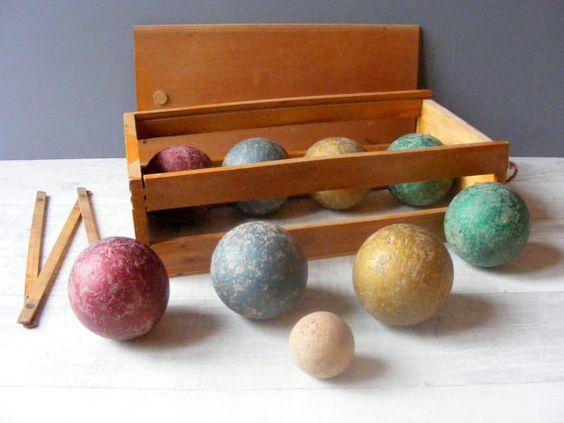 Antique fran ais en bois jeu de p tanque boules dans sa for Jeu de boule lyonnaise