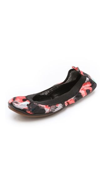 Love with black skirts, jeans  and pants Yosi Samra Printed Sateen Ballet Flats