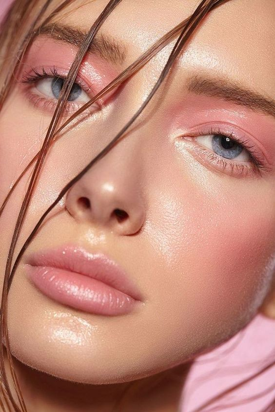 All pink monochrome makeup look for light skin, millennial pink eyeshadow , all over the lid eye makeup , pink gloss, fun summer makeup, makeup trends, simple makeup looks, makeup ideas Click to find out more...  #makeup #trends