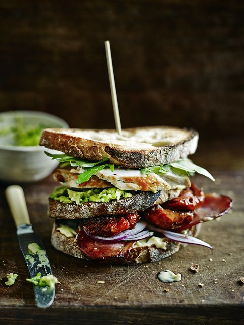 Bread- rocket - chicken - avocado - bread - sundried tomatoes - bacon - onion - mayo (optional, I'd replace it with a very thin layer of pesto) - bread. SANDWICH.: