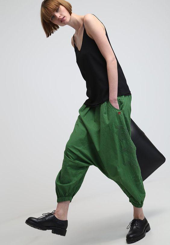 Desigual - Stoffhose - verde mckennan