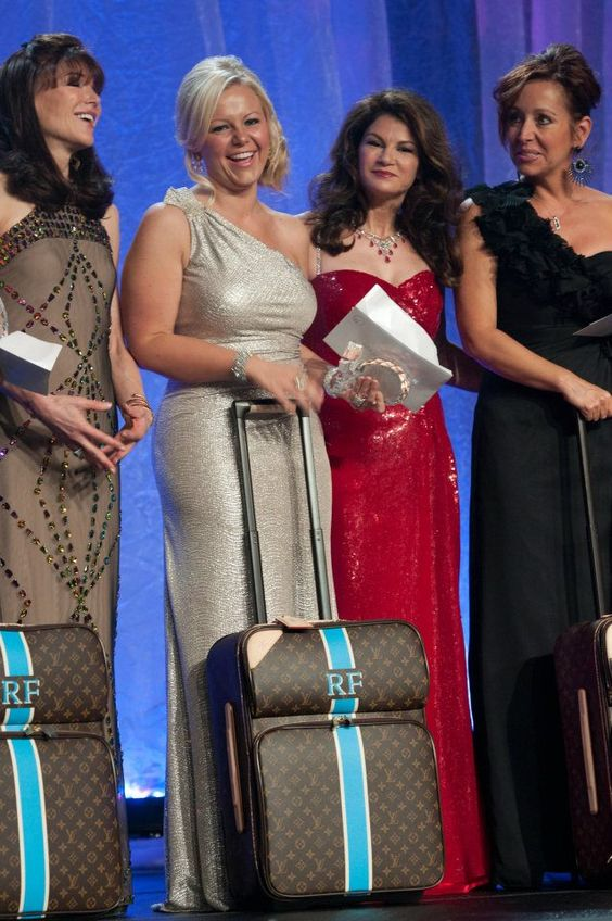 A gift from Rodan + Fields- Luis Vuitton luggage to take on my trip they are providing- Four Seasons Italy!  http://www.teamrockinrobbins.com