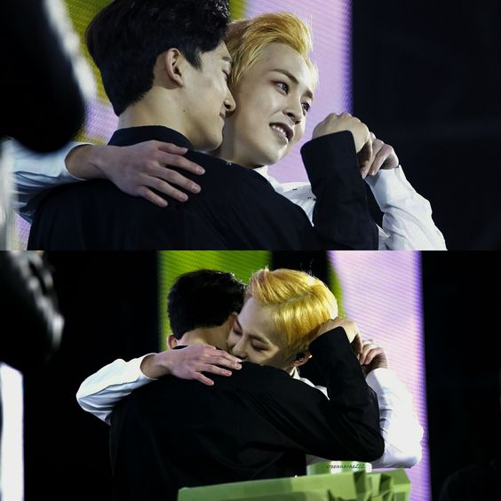 Xiuchen getting cozy ❤