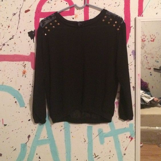 sheer top Very see through, good condition Rue 21 Tops Blouses