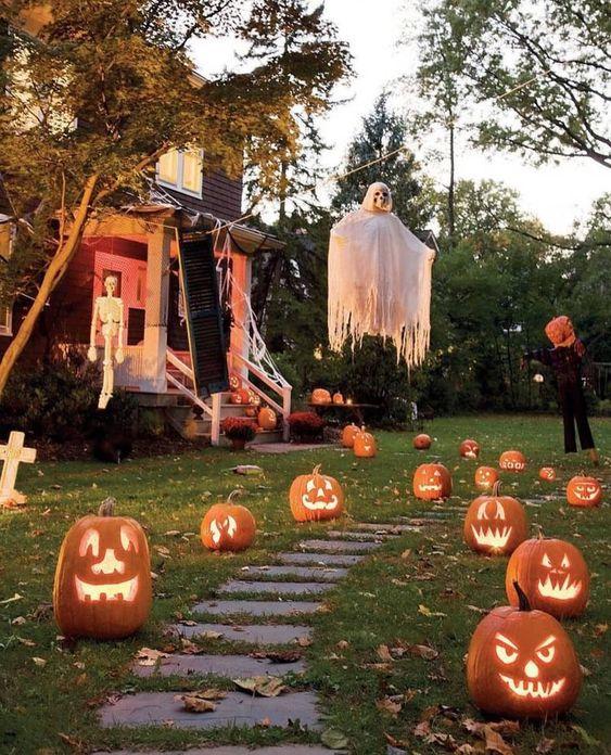 👻💀🎃🍁...#halloween #October #fall #autumn #candy #Ghost #jackolanterns #Witches #pumpkins #Spooky #bats #blackcat #cemetery #Creepy #Horror #Trickortreat #allhallowseve #happyhalloween #vintagehalloween #pumpkinpatch #halloweenlover #halloweenlife #Hauntedhouse #Halloweendecor #Halloweentown #Everydayishalloween