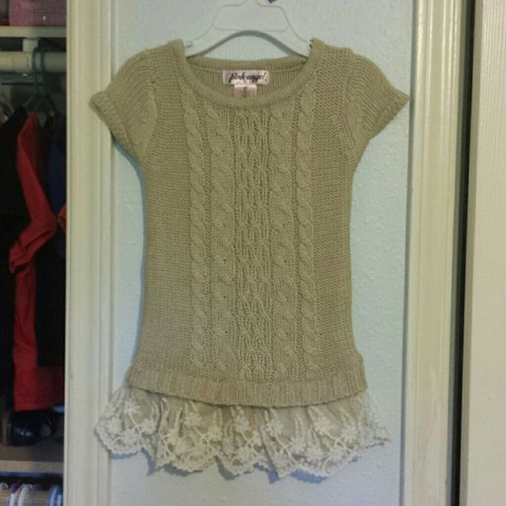 Cable knit sweater dress 2T cable knit sweater / tunica dress. Perfect with tights or leggings Dresses