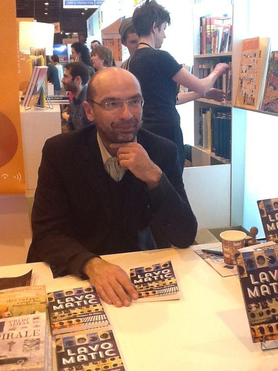 """Philippe Di Folco dédicace son roman """"Lavomatic"""" au Salon du Livre ! #SDL2013"""
