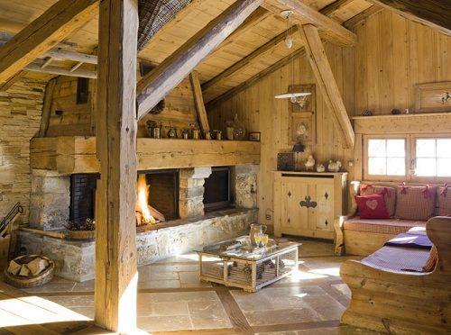 Montagne-Chalet-intérieur-d-un-chalet-cheminée-meubles-en-bois-du ...