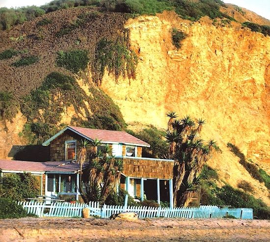 The Historic Crystal Cove Beach Cottages In Southern California | Bette  Midler, Beach Cottages And Cove F.C.