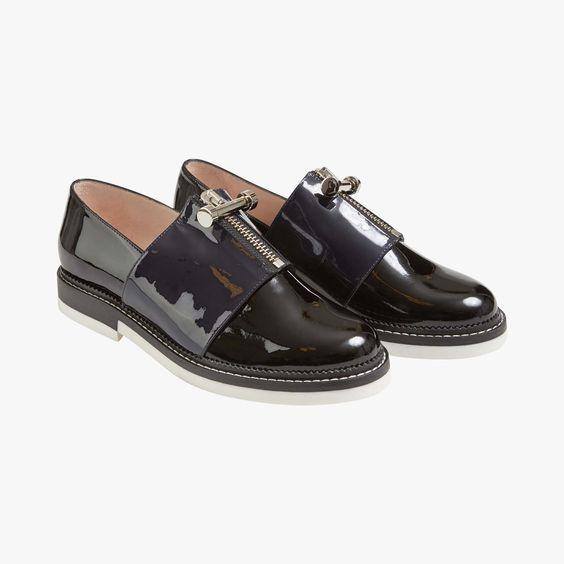 Carven présente une paire de chaussures derbies, originales et ...