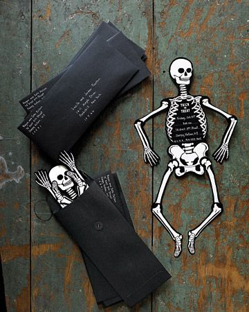 Spooky skeleton Halloween invitations that you can make yourself at home!