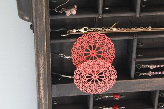 Industrial Chic Jewelry Display por bluebirdheaven en Etsy