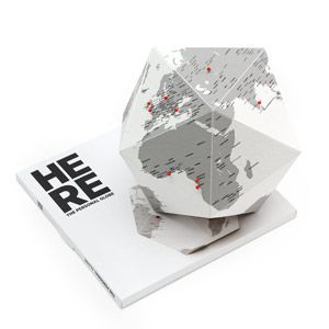 Dekoracja Here The personal globe
