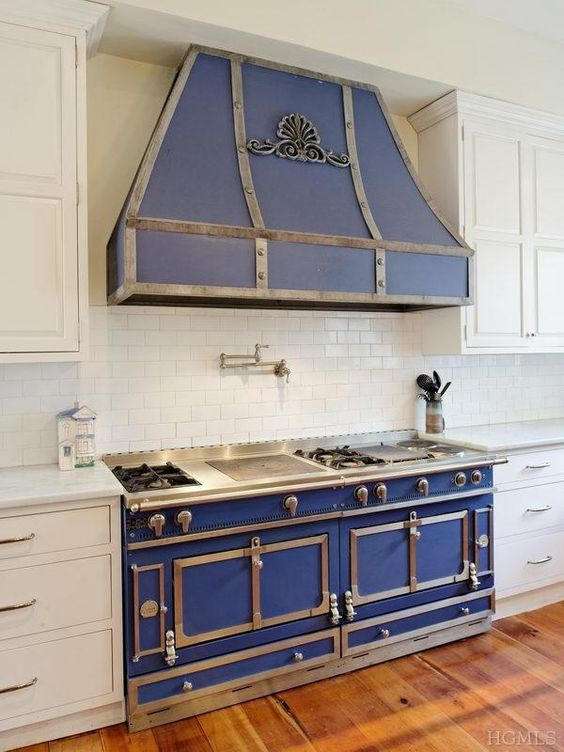 French stoves cornue stirring french blue la cornue for French chateau kitchen designs
