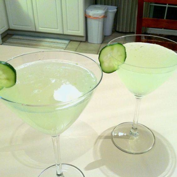 ... gin Pureed Cucumber Fresh lemon Lavender infused simple syrup YUMMY
