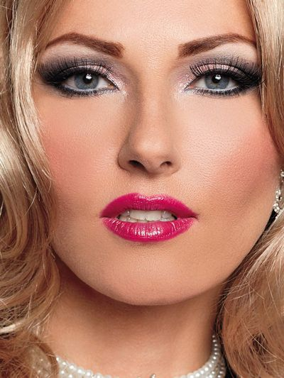 Helpful Tips for lip and Eye makeup for Crossdressers ...