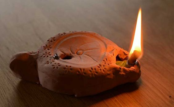Make your own ancient Roman oil lamp with this craft activity for kids.