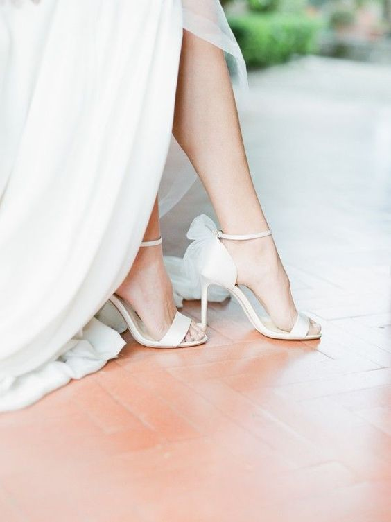 Beautiful wedding shoe and beautiful arch of the foot for this shot!
