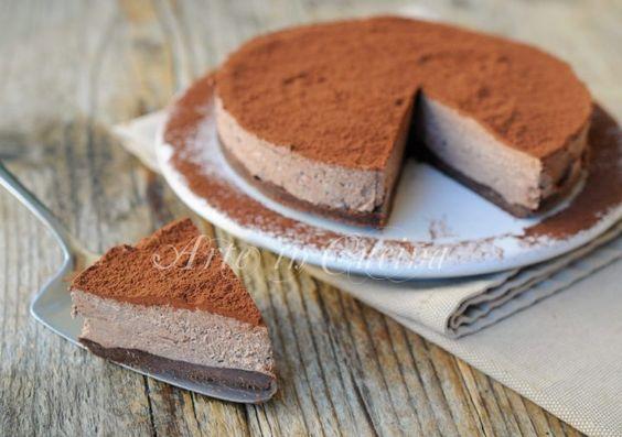 Torta africana fredda, dolce veloce, senza forno, ricetta semplice, dessert, dolce estivo al cioccolato, con biscotti, cheesecake fredda ottima dopo pranzo o cena