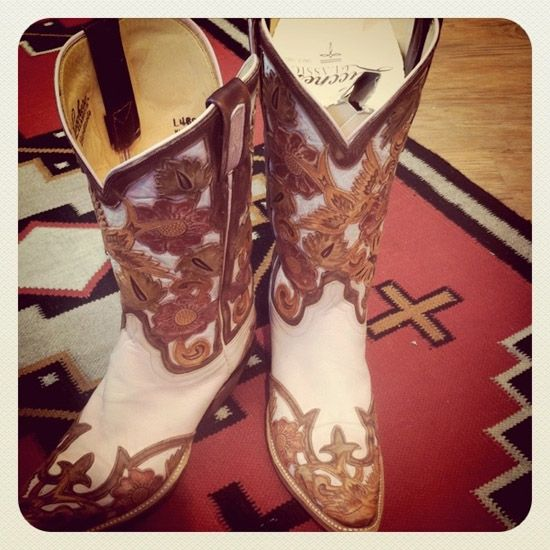 I need these Lucchese cowboy boots. Now.