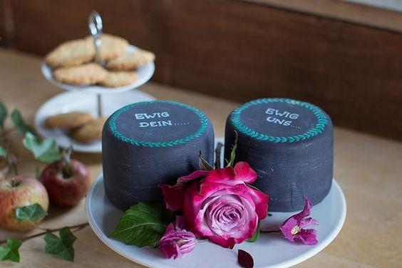 #Hochzeitstorte #Weddingcake #Torte #Cake #Caketopper #Hochzeit #wedding #Tafel - Das tolle Foto wurde gemacht von Eva Röske: www.evaroeske.de