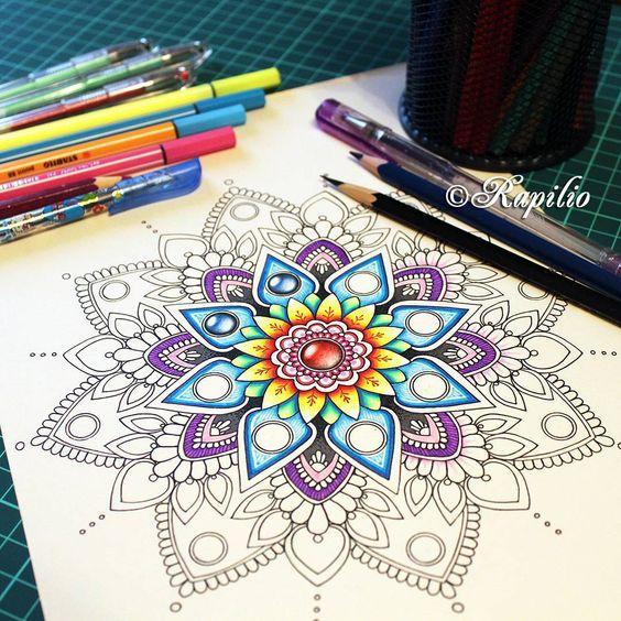 Началось самое интересное - придание цветности мандале . Иногда расцвеченная мандала совершенно не похожа на саму себя до покраски. И даже интересно узнать, как бы они выглядели, если их раскрасить иначе. . . . #process #процесс #color #colored #mandala #mandalas #zendala #zendalas #zendoodle #zentangle #doodle #doodles #art #painting #мандала #зендала #зентангл #дудлинг #zentangling #zentangleart #doodling #mandalaart #zenart #doodling #drawing #red #yellow #blue #violet #zengems