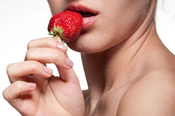 3 Natural Aphrodisiacs to Boost Low Libido. Learn how you can quickly and effectively boost your libido and increase your sex drive http://www.engineeredlifestyles.com/blog/healthy-lifestyle/3-natural-aphrodisiacs-boost-low-libido/ #libido #alura #aphrodisiac