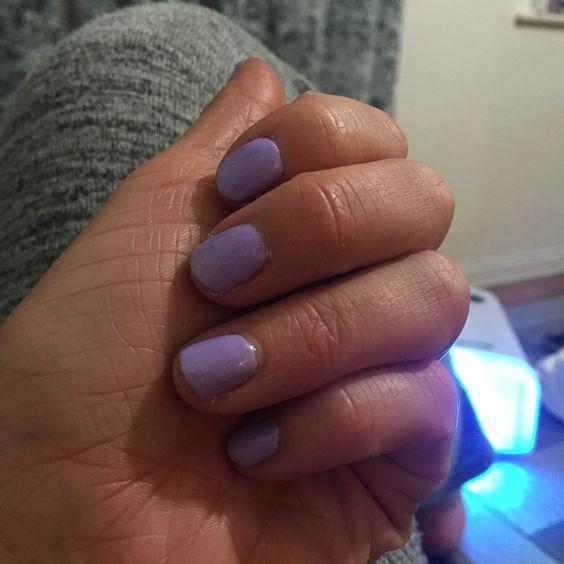 Lilac gel varnish