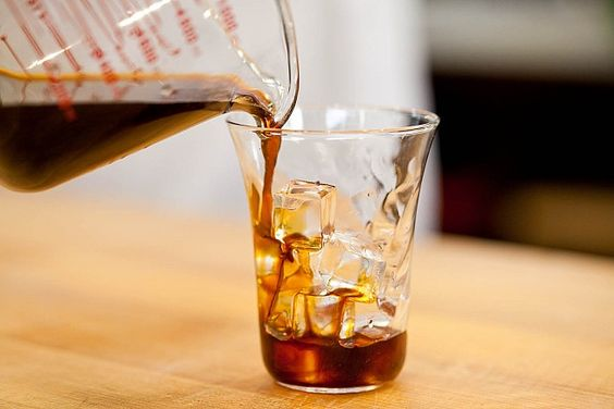 How To Make Cold-Brew Coffee... less acidic, and smoother flavor.  definitely trying this.
