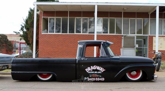 Retro slammed truck #old-school #mini-truck #low-ute