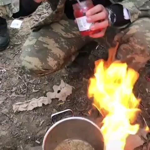 Allah Qorusun Qardaslar Video Army Love Outdoor Decor Soldier