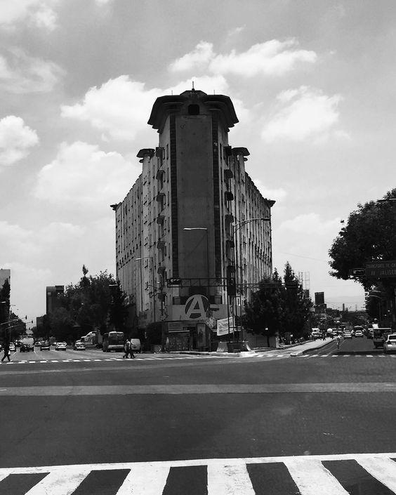 #edificios #arquitectura #architecture #urban #mexicanarchitecture by juancschwarz