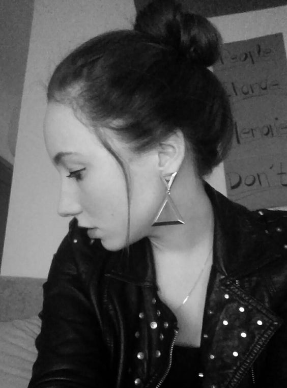 bun & big earrings
