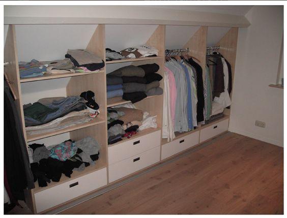 Kleine zolder slaapkamer ideeen inspiratie voor het inrichten van de zolder zolderkamer idee n - Kledingkast ideeen ...