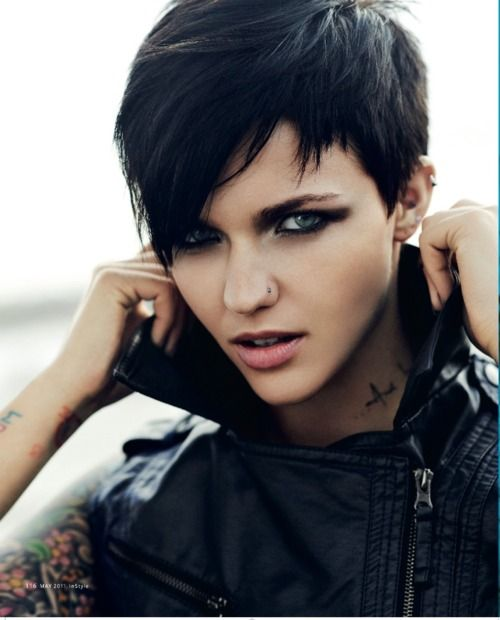 Ruby Rose. Is it weird that I think she looks a lot like Andy Beirsack in this picture lol