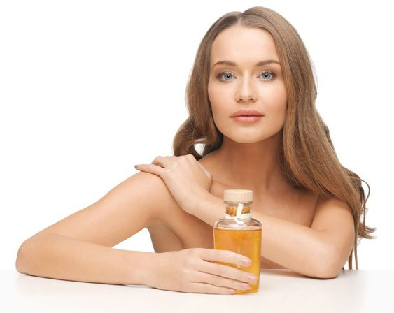 Rizinusöl – der Allrounder in der Kosmetik - Experten-Tipp - ASSthetik® Fitness Community