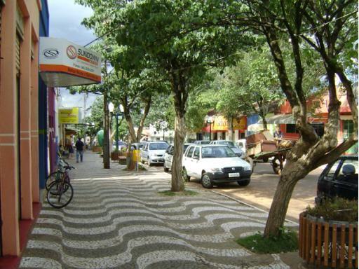 Alto Piquiri, Paraná, Brasil - Pop 14.427 (2014)