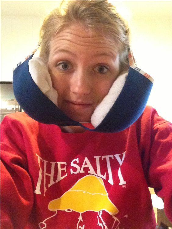 Take an old bra, place two socks filled with ice in both cups, and fashion to head. Great way to ice cheeks after wisdom teeth surgery no hands or pins requires! #wisdomteeth #ice #surgery #teeth: