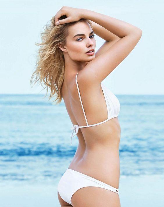 Hot Margot Robbie Ass In Bikini