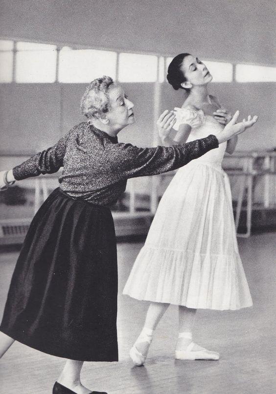 tabodesign:Tamara Karsavina rehearsing with Margot Fonteyn for Le Spectre de la Rose,1920