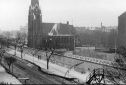 Die Versoehnungskirche in der Bernauerstrasse 22.Januar 1985